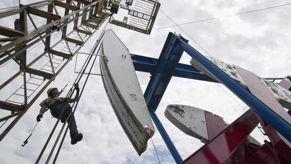 After the oil rout, energy deals are set to focus on US shale