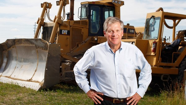 FOR STORY BY HAL WEITZMAN TO RUN ON MONDAY, JULY 19, 2010 -- Caterpillar Inc. CEO Doug Oberhelman stands for a portrait at a landfill company in Clinton, Illinois on July 9, 2010. (Financial Times Photo by Brian Kersey)