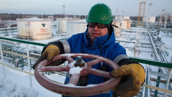 Russian oil: Between a rock and a hard place thumbnail